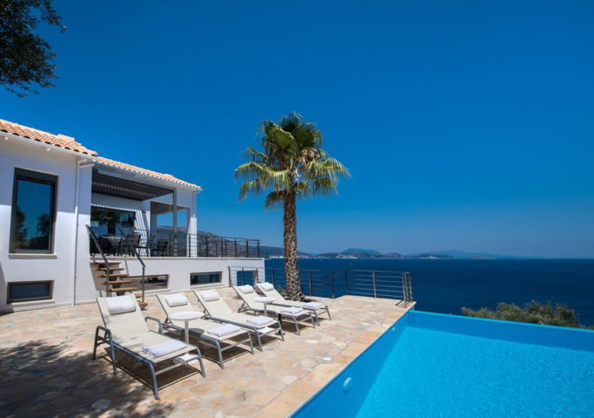 swimming pool with palmtree Villa Lefkada
