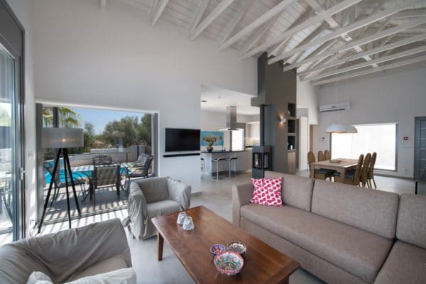 Living with dining room and open kitchen villa lefkas