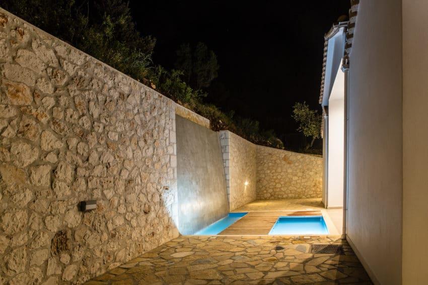 Waterfall entrance villa Lefkas
